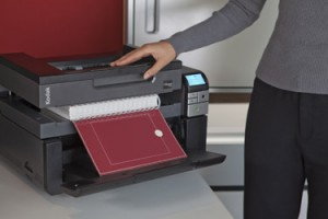 i2900_office_flatbed_book_edge_scanning_hero_375X0